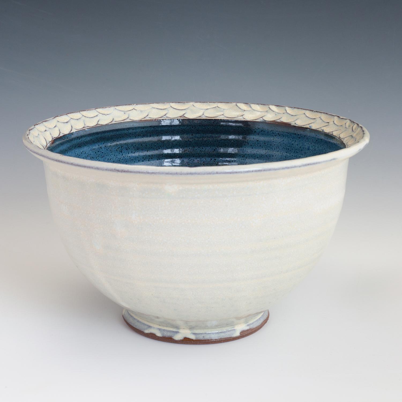 blue-carved-large-bowl-rim